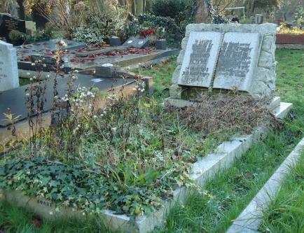 William Foyle, Highgate Cemetery