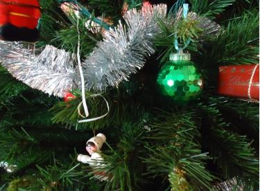 The 12 Allergies of Christmas   Pills & Pillow-Talk